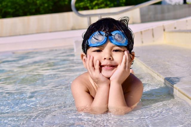De eerste zwemles!